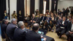 Ricardo Buryaile en conferencia