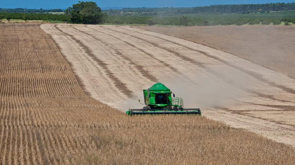 Maquinaria agrícola importada de Brasil