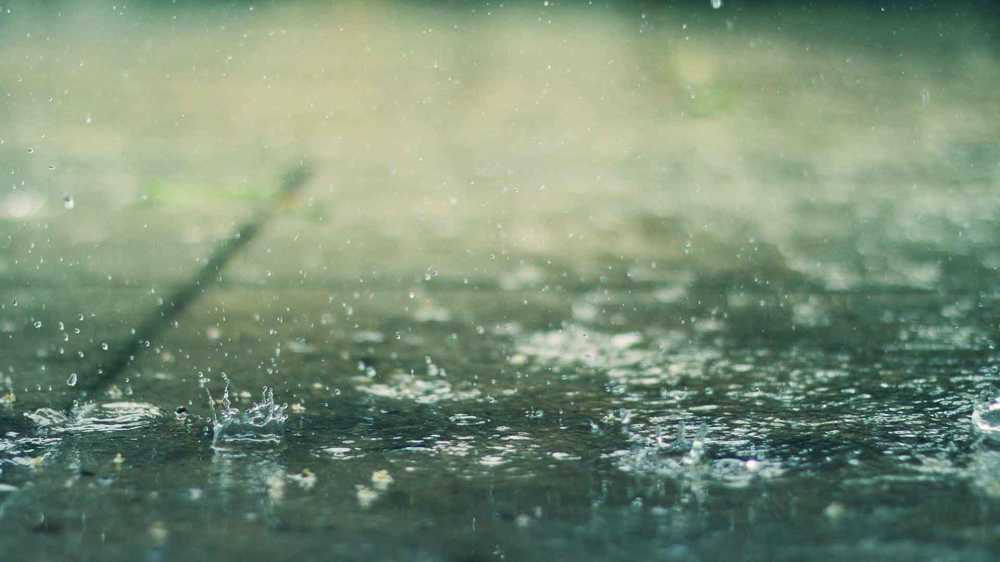Lluvia cayendo