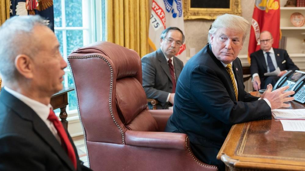 Trump y el vice primer ministro de China.
